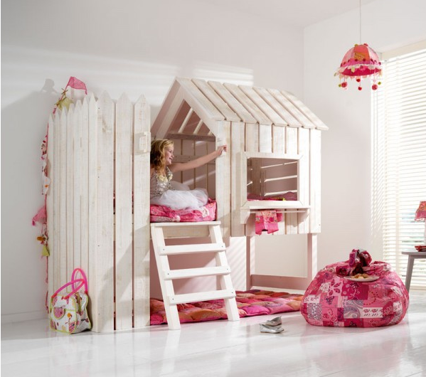 lit pour petite fille interesting un rose poudr pour une. Black Bedroom Furniture Sets. Home Design Ideas